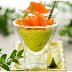 Verrine de mousse d'avocat et saumon