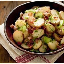 Salade de pommes de terre, lardons et cornichons