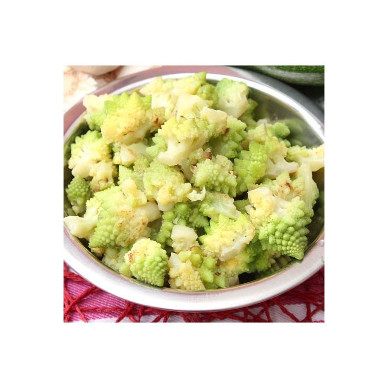 Chou romanesco en salade, comté et noisettes